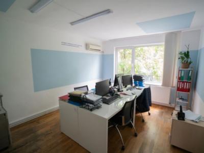 Apartament 3 camere, 93mp in Andrei Muresanu