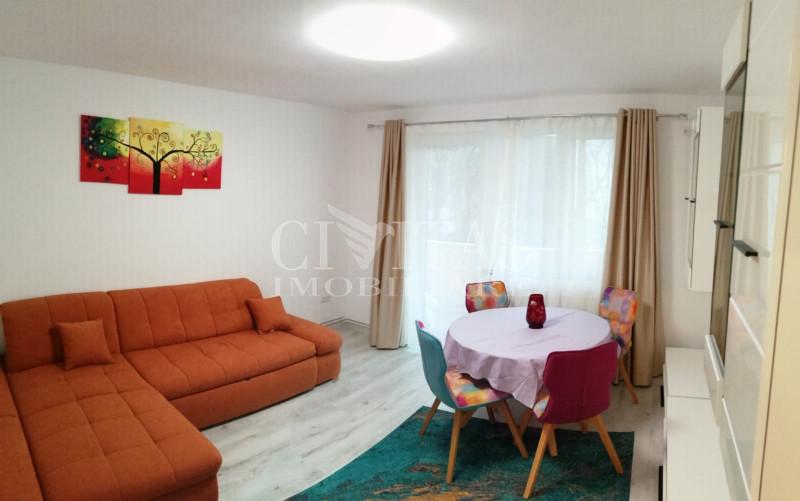 Apartament cu 3 camere, lux, in zona Complex Mercur, decomandat!