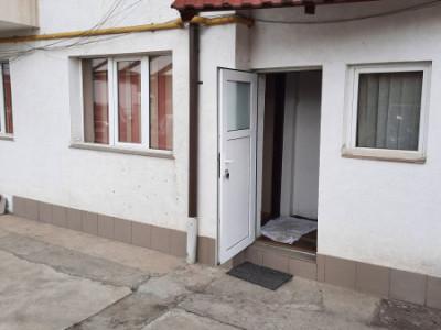 Apartament cu 3 camere in zona strazii Fabricii