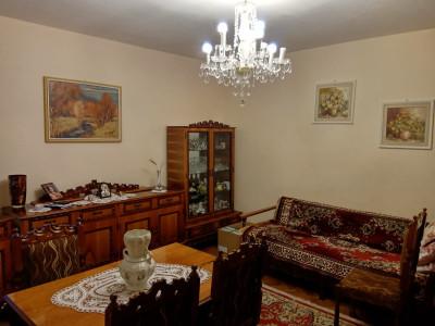 3 camere, zona Biomedica, cu GARAJ