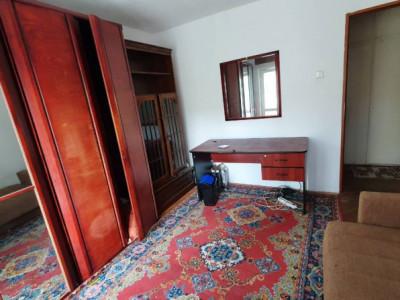 Apartament cu 3 camere, zona Spitalului de Recuperare
