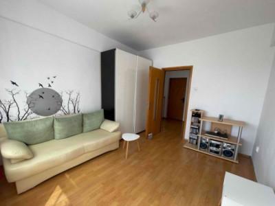 Apartament cu 3 camere, zona strazii Vanatorului