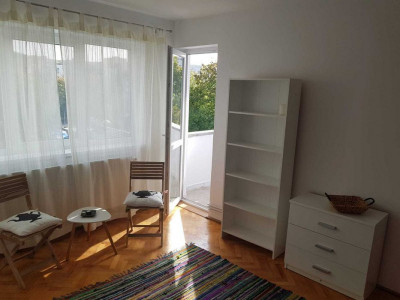 Inchiriez apartament 2 camere 45 mp, decomandat, zona Tabita, Manastur!