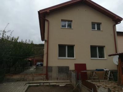 Casa pe 2 niveluri, Baciu